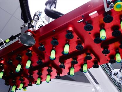 Palletera, maskin plockar på pall, Front Automation
